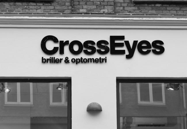 CrossEyes